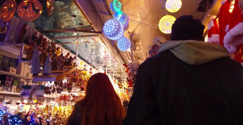 """16 déc 20 – RMC Story """"Dans les coulisses du marché de Noël de Strasbourg"""" à 21H05."""