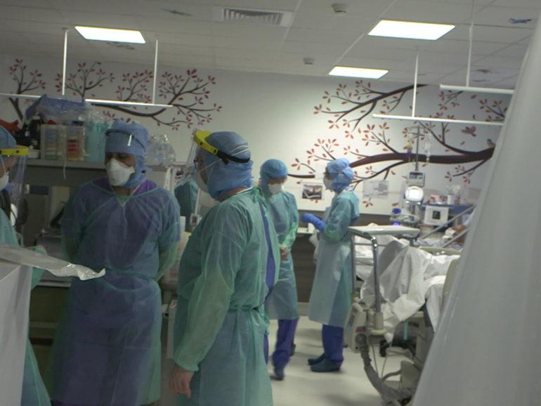 """8 juillet 21 – C8 Jeudi Reportage """"Deux mois aux urgences face à un virus mortel"""" INÉDIT à 22h15"""